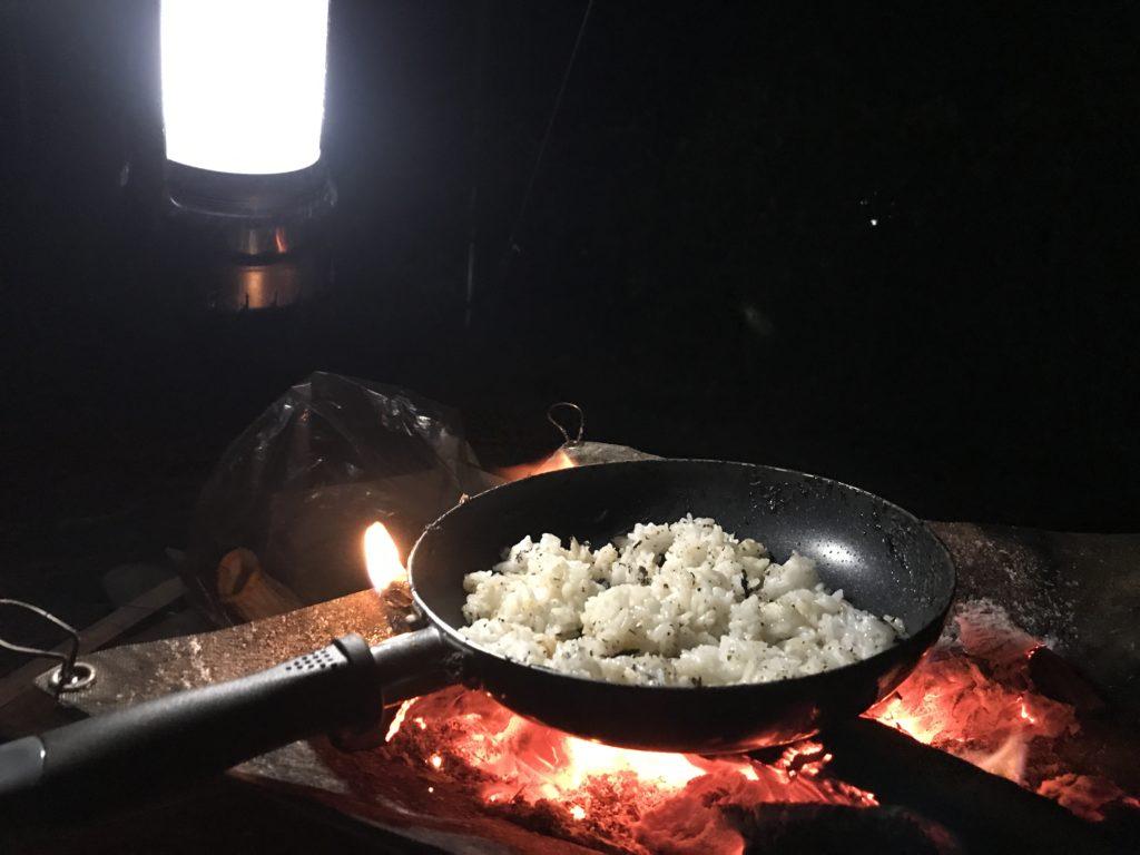 キャンプ夜飯